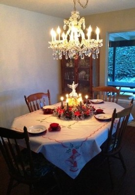 Dining Room Table Christmas Setting - Life With Lorelai